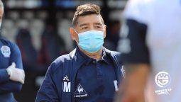 Diego Maradona será sometido a estudios para determinar si tiene coronavirus, luego de que Nicolás Contín, delantero de Gimnasia y Esgrima, diera positivo.