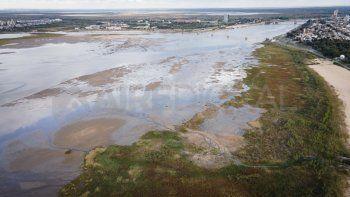 Estiman que la bajante del río Paraná no afectará el suministro de agua potable