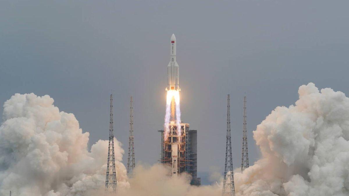 Funcionarios en Beijing habían dicho que había poco riesgo por el segmento en caída libre del cohete Long March-5B