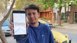 Para el Día del Estudiante, los organizadores del proyecto lanzaron una campaña de difusión donde invitaron a muchos jóvenes a sacarse una foto con el slogan que identifica a la iniciativa.