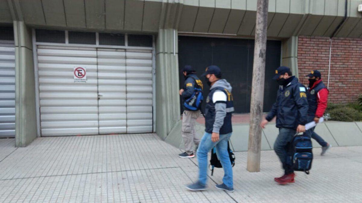 Unos 25 agentes de la Policía Federal ingresaron a la sede de Vicentin en Avellaneda este viernes a las 8.30.