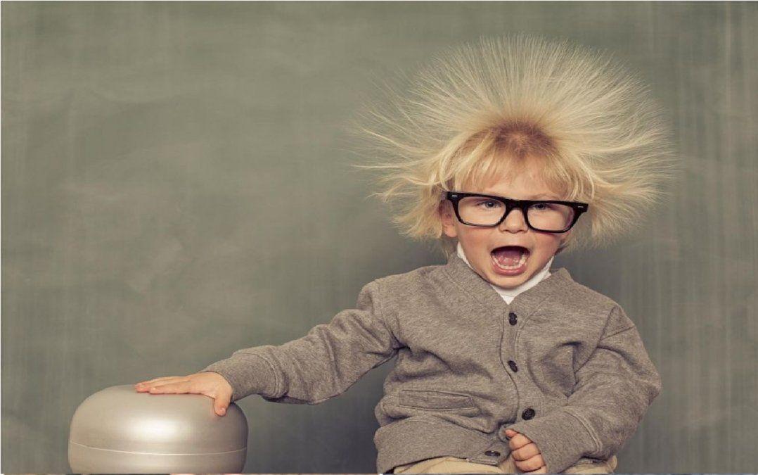 ¿Por qué algunas personas están cargadas y dan patadas eléctricas?