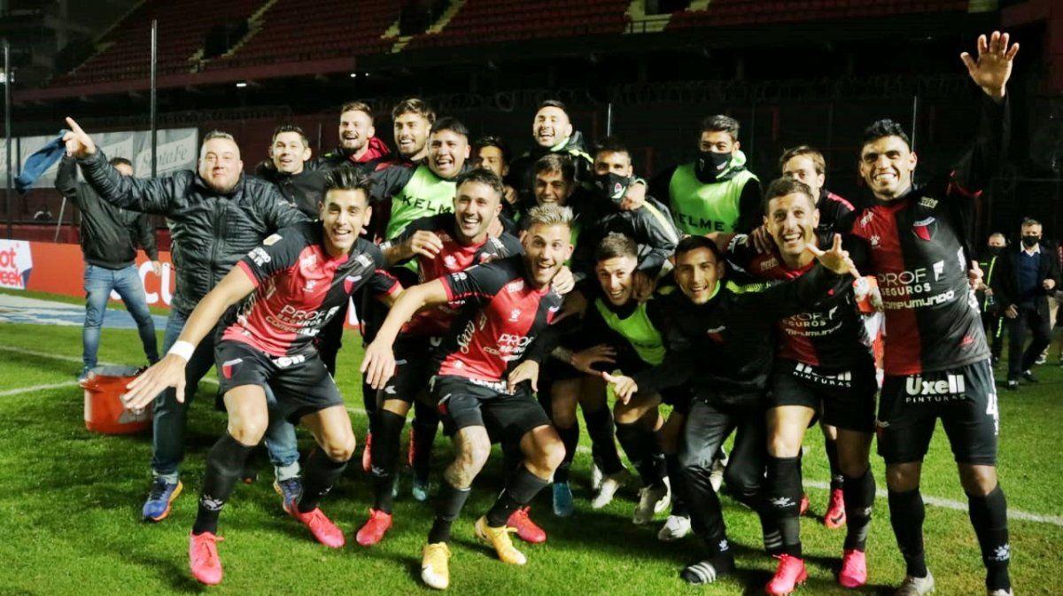 Colón enfrenta este sábado a Independiente
