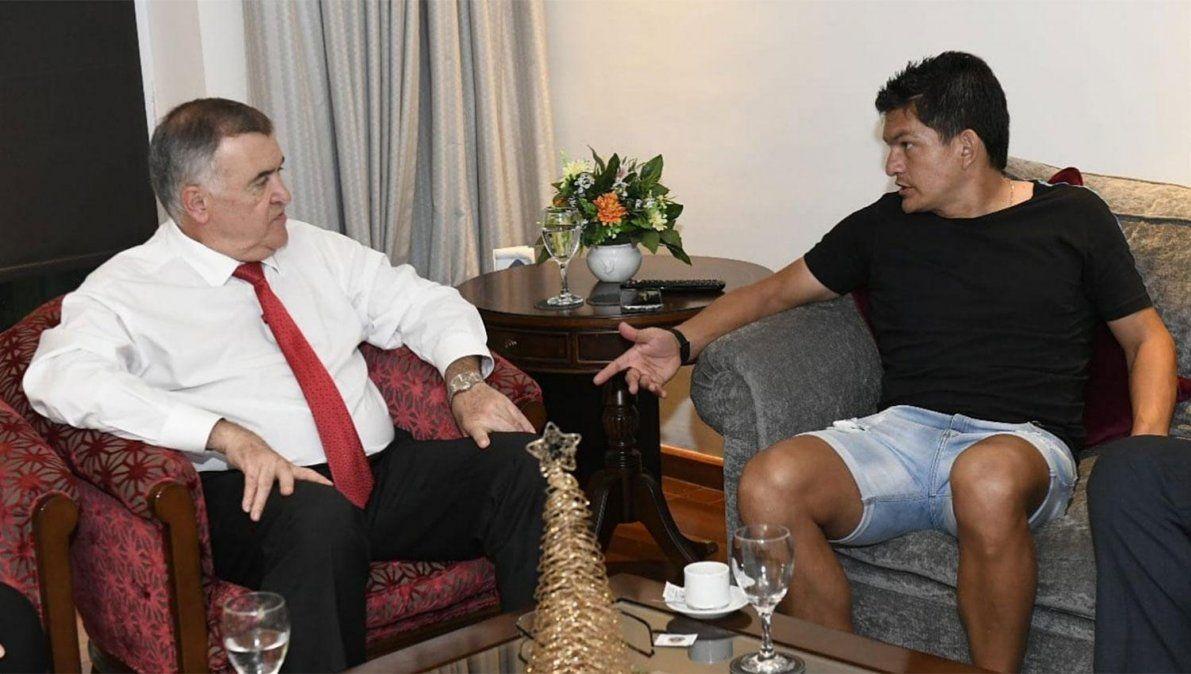 Mientras define su futuro en Colón, el Pulguita Rodríguez se reunió con el vicegobernador de Tucumán