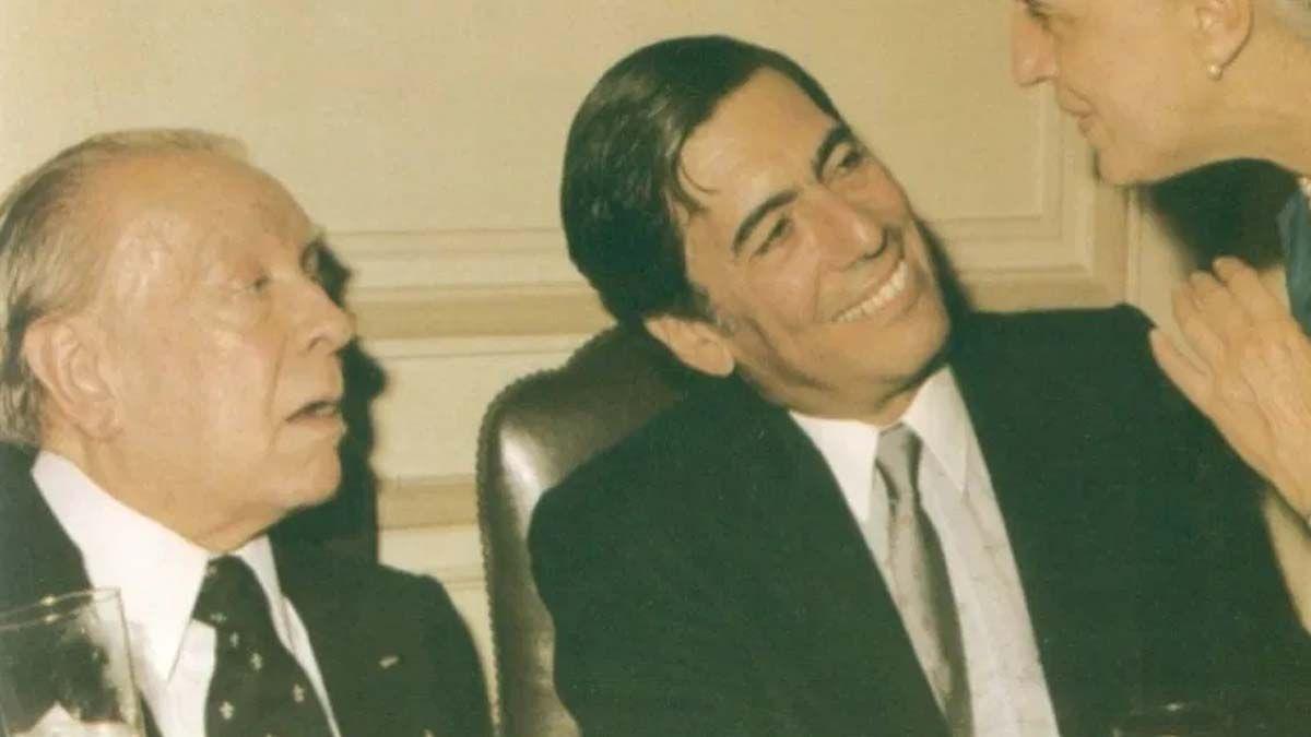 Vargas Llosa entrevistó pro primera vez a Borges en 1963: Luego