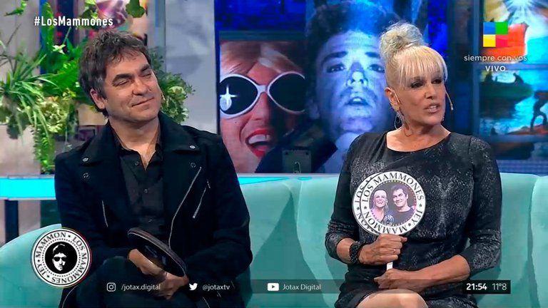 Valeria Lynch y Mariano Martínez ven Los Mammones.