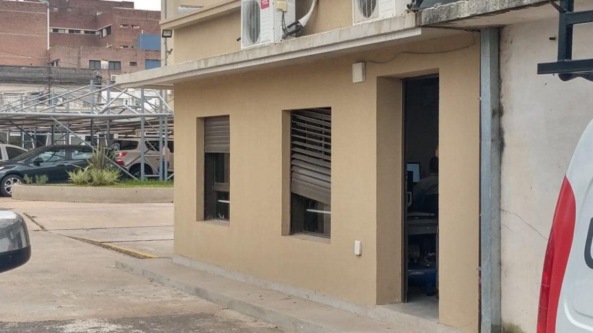 La oficina está ubicada en un sector lindante con la zona de estacionamiento