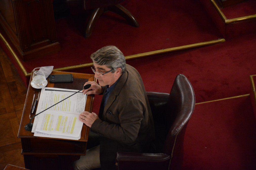 El senador Armando Traferri y el resto de los legisladores de Santa Fe no pueden ser investigados, pero ellos sí están en condiciones de investigar a fiscales y miembros del MPA.