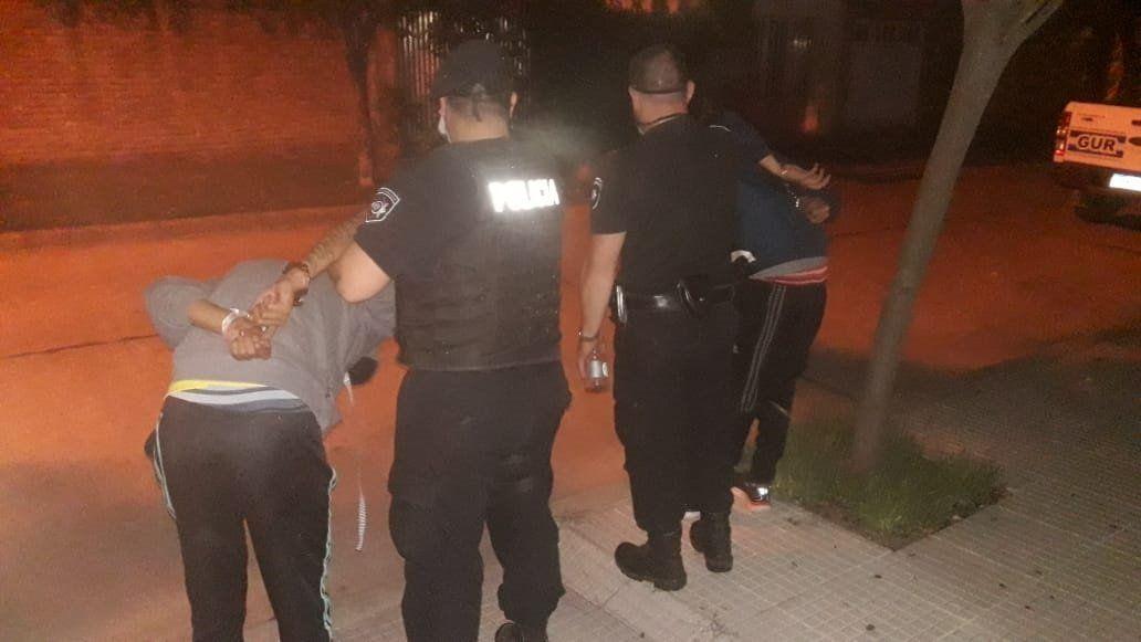 Los dos muchachos de 19 años estaban acompañados por dos chicas de 16 y 13