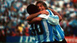 Fue uno de sus mejores socios dentro y fuera de la cancha. Se entendieron mejor que nadie en la Selección y en Boca. Claudio Paul Cannigia expresó en las redes sociales su profundo dolor por la muerte de Diego Armando Maradona.