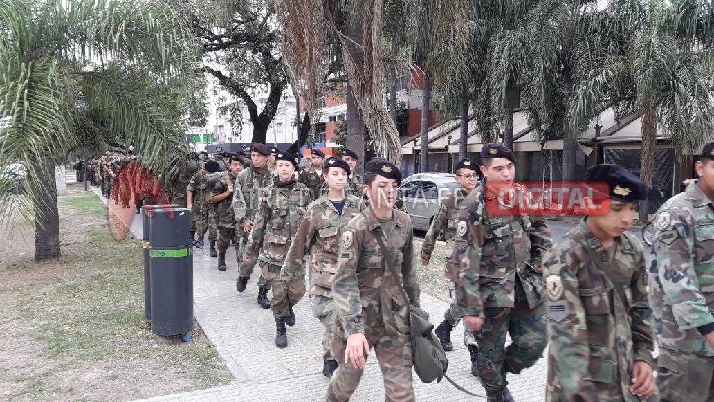 165 cadetes del Liceo Militar hicieron su tradicional caminata