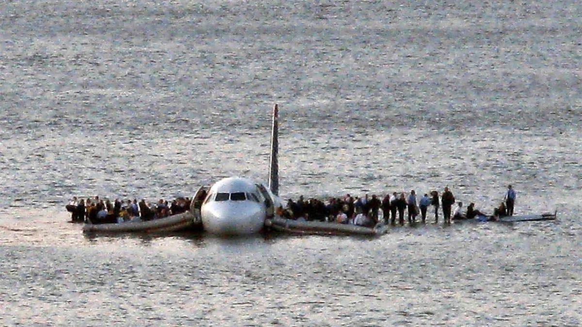 El vuelo 1549 de US Airways (AWE1549) tuvo que amerizar en las heladas aguas del río Hudson