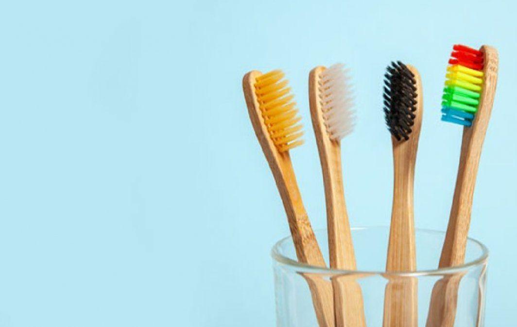 Agua oxigenada para limpiar cepillos de dientes: ¿si o no?