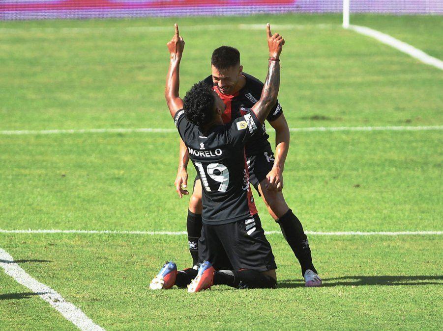 Wilson Morelo cambió el partido ante Platense y fue uno de los responsables por los que Colón se quedó con los tres puntos por la Copa de la Liga.