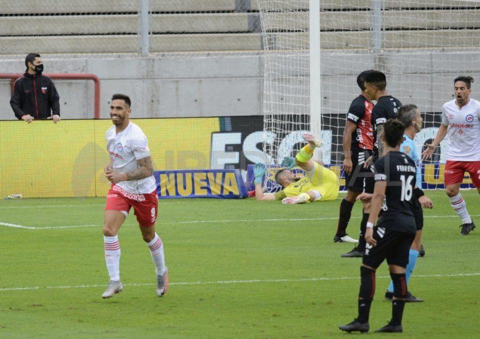 Colón juega ante Argentinos Juniors por los 16avos. de la Copa Argentina