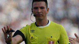 Kevin Ortega, árbitro de Argentina-Bolivia, quedó envuelto en una polémica luego de que haya sido captado burlándose de un jugador en un partido de la liga de Perú.