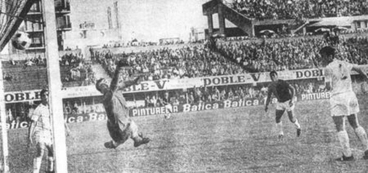 El disparo de Obberti se cuela en el arco de Deportivo Español